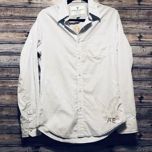 American Eagle long sleeve button up shirt